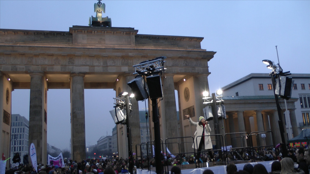 Revolution_Brandenburger_Tor_07